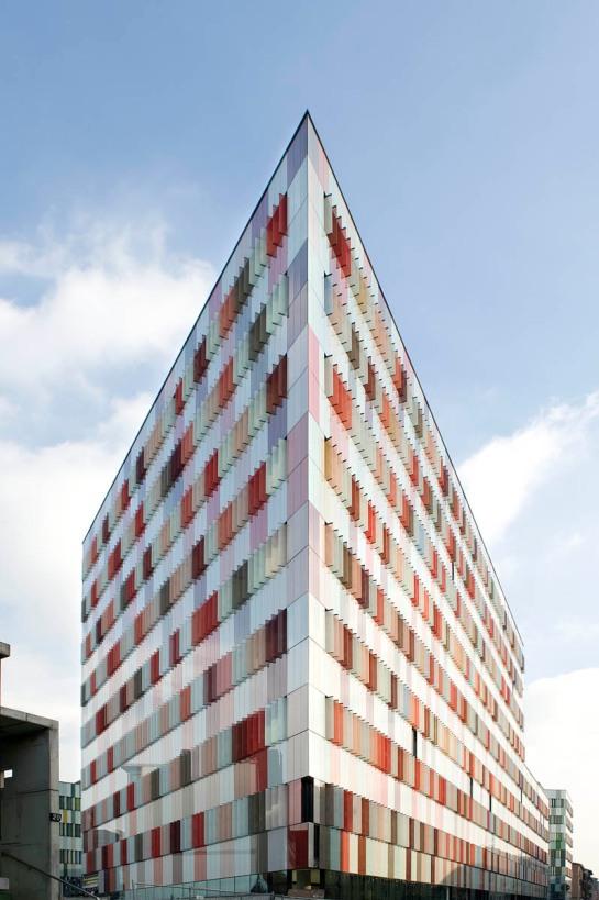 Uno spazio di coworking gratuito a Milano, dal 14 al 19 aprile 2010.